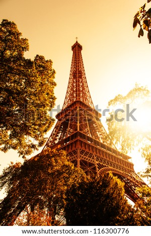 Image of Tour Eiffel and a nice sunset