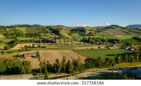 In the picture a beautiful view of the hills of Piacenza (Castell'Arquato) and its vineyards.