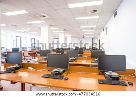 in university is there an computer classroom