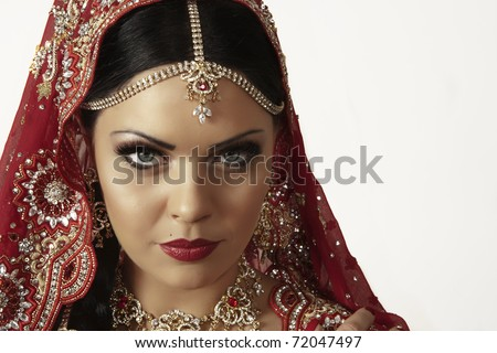 indian women dress in red