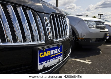 Indianapolis - Circa May 2016: CarMax Auto Dealership. CarMax is the Largest Used-Car Retailer in the US V