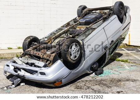 Indianapolis - Circa September 2016: Totaled SUV Automobile After Drunk Driving Accident I