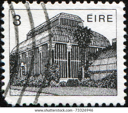 IRELAND - CIRCA 1983: A stamp printed in Ireland Republic honoring Irish Architecture shows National Botanic Gardens of Ireland,  Central Pavilion, Glasnevin, Dublin, circa 1983