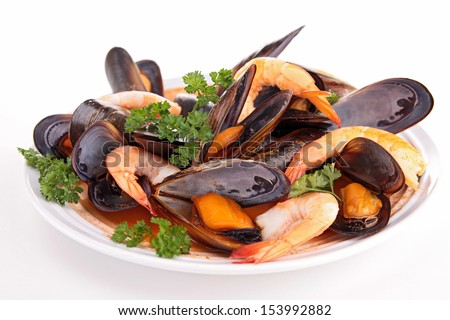 isolated mussel and shrimp soup