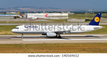 ISTANBUL - MAY 26: Lufthansa Airbus A321-131 accelerate to takeoff at Ataturk Airport on May 26, 2013 in Istanbul, Turkey. Lufthansa is the largest airline in Europe with 284 aircraft. - stock photo