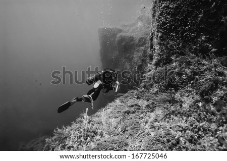Italy, Ponza Island, Tyrrhenian sea, U.W. photo, wall diving, scuba diver