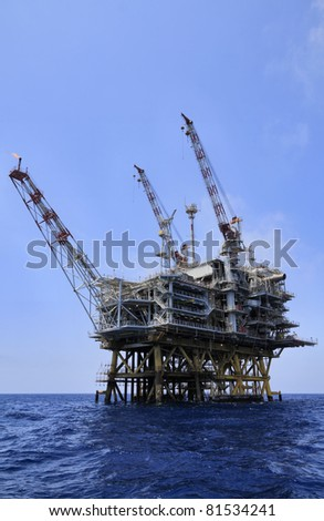 Italy, Sicily, Mediterranean Sea, Sicily Channel, offshore oil platform off the South-eastern coast of the island