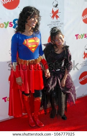 Jada Pinkett Smith and daughter Willow at the 15th Annual Dream Halloween to benefit the Children & Jada Pinkett Smith Daughter Willow 15th Stock Photo (Royalty Free ...
