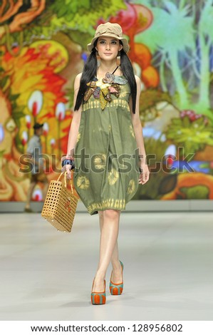 JAKARTA - FEB 17 � Lenny Agustin � In the wood. Lenny Agustin showing her collection on February 17, 2013, in Indonesia Fashion Week 2013