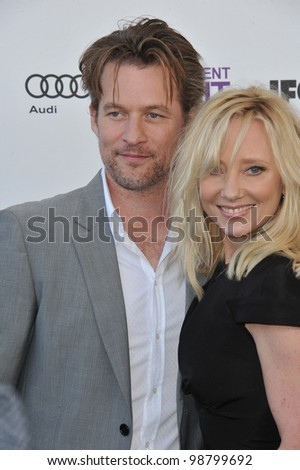 James Tupper & Anne Heche at the 2012 Film Independent Spirit Awards on the beach in Santa Monica, CA. February 25, 2012  Santa Monica, CA Picture: Paul Smith / Featureflash
