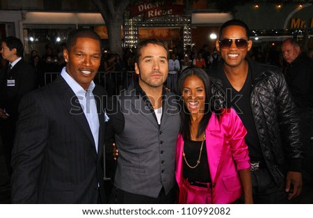 """Jamie Foxx and Jeremy Piven with Jada Pinkett Smith and Will Smith at the World Premiere of """"The Kingdom"""". Mann Village Westwood, Westwood, CA. 09-17-07 - stock photo"""