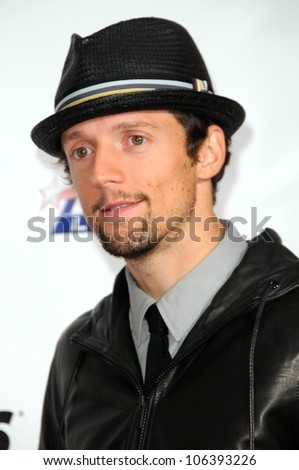 Jason Mraz at the 2009 Musicares Person of the Year Gala. Los Angeles Convention Center, Los Angeles, CA. 02-06-09