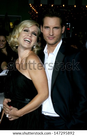"Jennie Garth & Peter Facinelli arriving to the World Premiere of ""Twilight"" at Mann's Village Theater in Westwood, CA November 17, 2008 - stock photo"