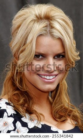 Jessica Simpson attends the Blockbuster Total Access Launch held at the Kodak Theatre in Hollywood, California, on November 2, 2006.