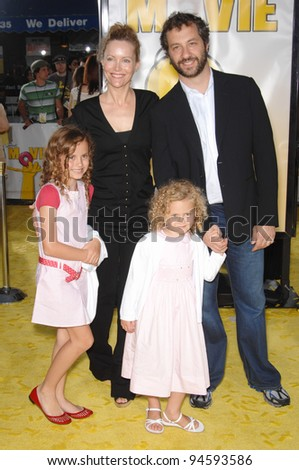 Judd Apatow & wife Leslie Mann & daughters at the world premiere of The Simpsons Movie. July 25, 2007  Los Angeles, CA Picture: Paul Smith / Featureflash
