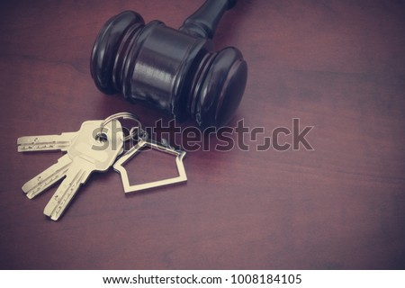 stock-photo-judge-gavel-and-keys-with-ke