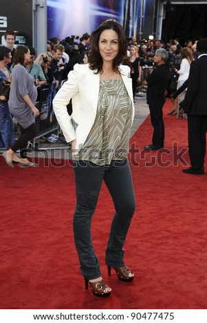 "Julia Bradbury arrives for the premiere of ""Cowboys and Aliens"" at the 02 cineworld cinema, London. 11/08/2011 Picture by: Steve Vas / Featureflash"