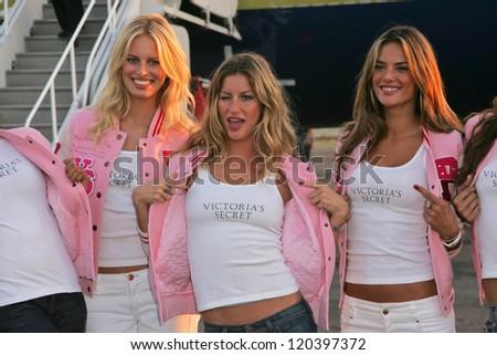 Karolina Kurkova, Gisele Bundchen and Alessandra Ambrosio at the arrival of the Victoria's Secret Models via Private Jet to Burbank's Bob Hope Airport, Burbank, CA 11-14-06 Photo by - stock photo