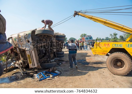 Truck Lifts Near Me >> Head On Collision Stock Images, Royalty-Free Images ...