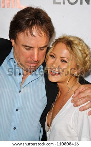 "Kevin Nealon and Mary-Kate Olsen at the ""Weeds"" Season 3 and ""Californication"" Premiere Screening. Cinerama Dome, Hollywood, CA. 08-01-07"