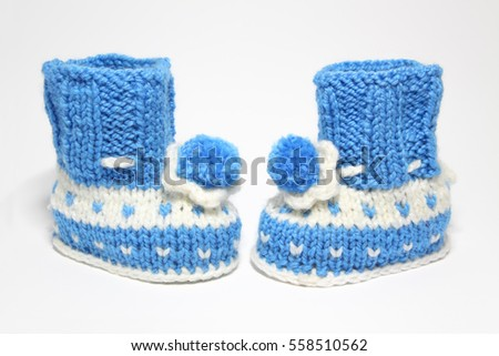knitted shoes for young children