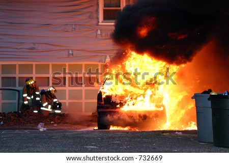 Knowlwood Dr. vehicle fire (Shelton, CT).