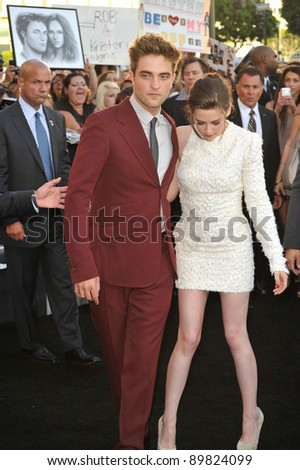 """Kristen Stewart & Robert Pattinson at the premiere of their new movie """"The Twilight Saga: Eclipse"""" at the Nokia Theatre at L.A. Live. June 24, 2010  Los Angeles, CA Picture: Paul Smith / Featureflash - stock photo"""