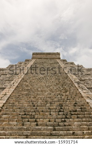 Kukulkan pyramid, mayan ruins in Chichen-Itza, Mexico - stock photo