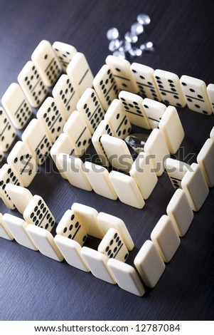 Labyrinth from dominoes & Diamond