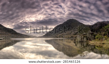 Lake Ogwen Sunrise