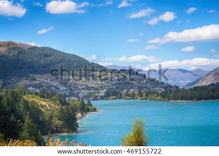 Landscape of Lake Wakatipu and Queenstown, New Zealand