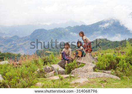 LaoCai VietNam sept 6 2015 , Unidentified children  with green mountain background