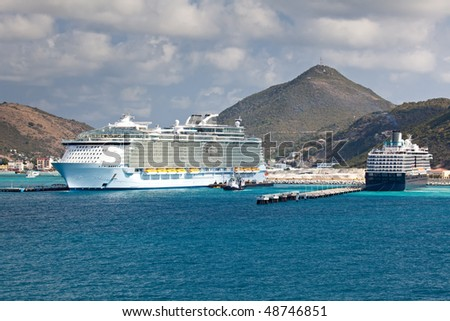 Largest Cruise Ship in the Caribbean Sea