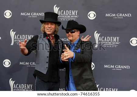 LAS VEGAS - APR 3:  Big and Rich arrives at the Academy of Country Music Awards 2011 at MGM Grand Garden Arena on April 3, 2010 in Las Vegas, NV.