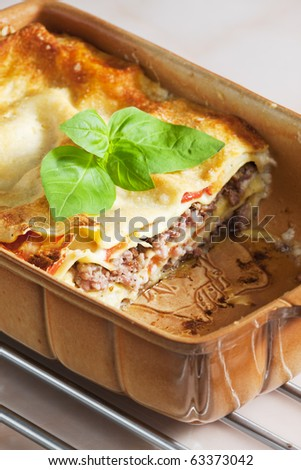 lasagne with minced turkey meat and tomatoes