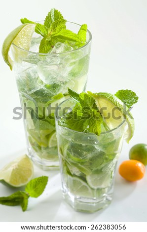 Lemonade with fresh lime and mint