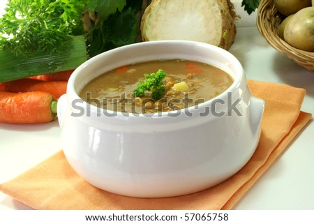 Lentil stew with vegetables and parsley