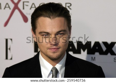 """Leonardo DiCaprio at the Los Angeles Premiere of """"The Aviator"""" held at the Grauman's Chinese Theatre in Hollywood, California, United States on December 1, 2004. - stock photo"""