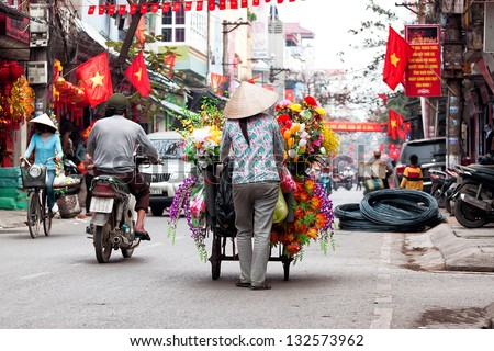 Life of vietnamese vendor in HANOI, VIETNAM