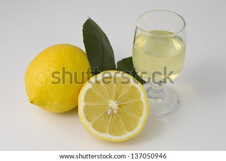 Limoncello with Lemons