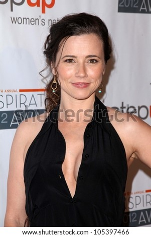Linda Cardellini at the Step Up Women Network 9th Annual Inspiration Awards, Beverly Hilton Hotel, Beverly Hills, CA 06-08-12
