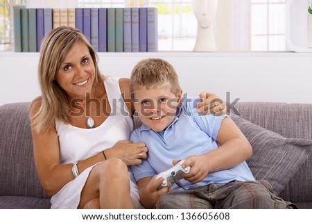 Секс маленький мальчик и женщина