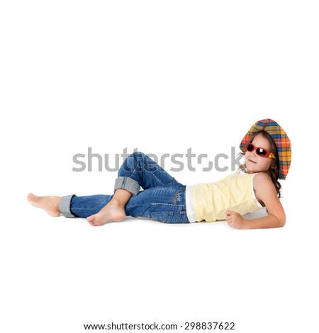 little girl in the wide-brimmed hat and sunglasses
