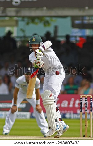 LONDON, ENGLAND. AUGUST 19 2012 South Africa's Dale Steyn batting during the third Investec cricket  test match between England and South Africa, at Lords Cricket Ground