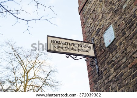 LONDON - FEB 02 : Hogarth's House board in Chiswick on February 02, 2016. Built around 1700, Hogarth's House was the country home of the great painter, engraver and satirist William Hogarth.