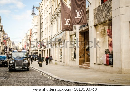 LONDON FEBRUARY 2018 London Street Scene View Of Bond A High