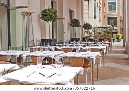 London restaurant with outdoor dining