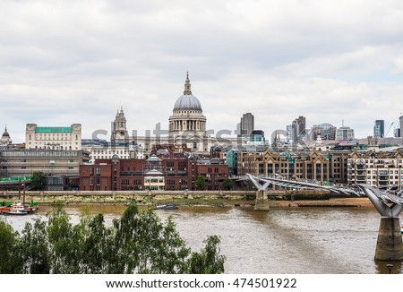 LONDON, UK - JUNE 10, 2015: Panoramic view of Thames River (HDR)