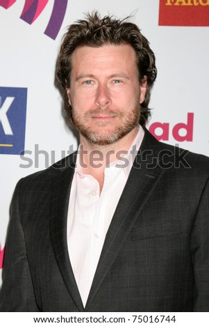 LOS ANGELES - APR 10:  Dean McDermott arriving at the 25th GLADD Media Awards  at Westin Bonaventure Hotel on April 10, 2011 in Los Angeles, CA