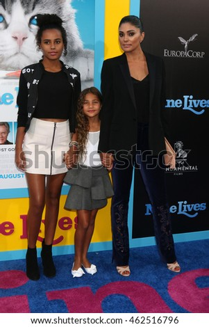 "LOS ANGELES - AUG 1:  Ava Dash, Tallulah Dash, Rachel Roy at the ""Nine Lives"" Premiere at the TCL Chinese Theater IMAX on August 1, 2016 in Los Angeles, CA"